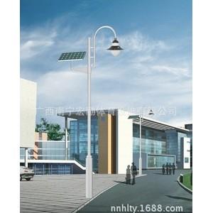 新农村太阳能灯杆供应【广西宏励体育设施有限公司】